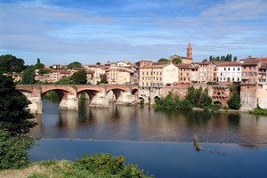 Car hire Albi
