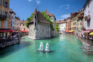 Car hire Annecy