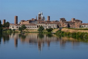 Car hire Mantova